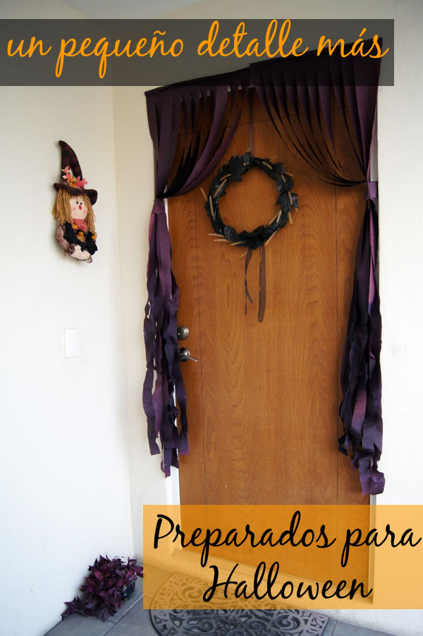 Our front door this Halloween / Nuestra puerta principal en Halloween / Casa Haus