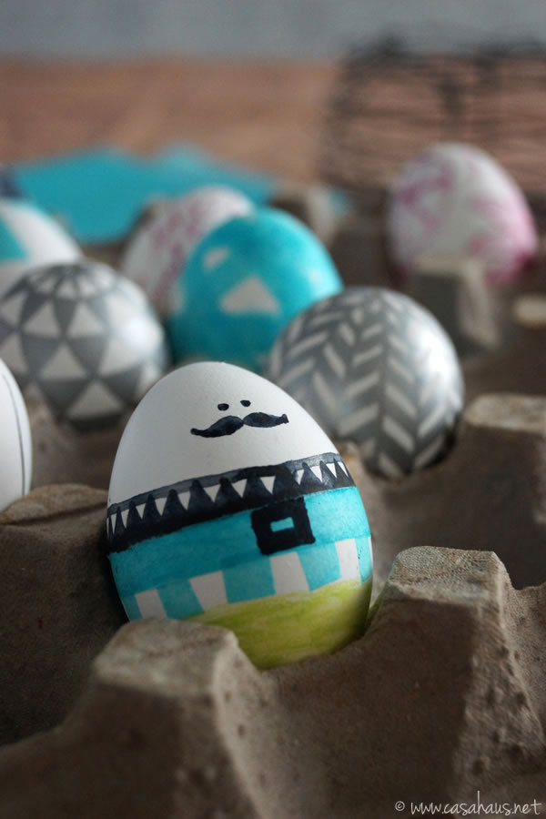 Casa Haus: Easter eggs decorating / Decorando huevos de pascua