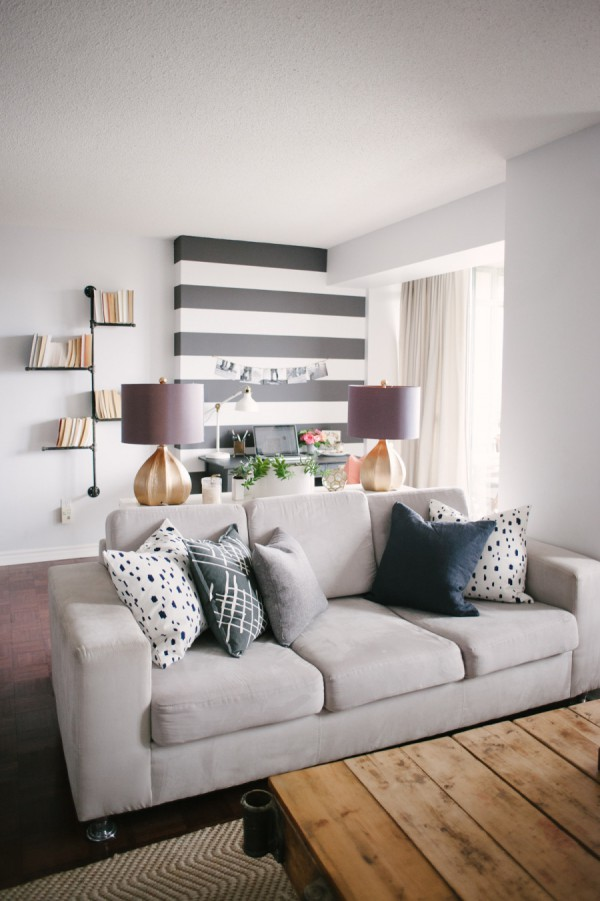 Pretty living room in gray / Sala bonita en grises // Casa Haus