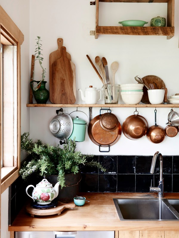 Country kitchen in Australia // Cocina country vintage en Australia // Casa Haus via The Design Files