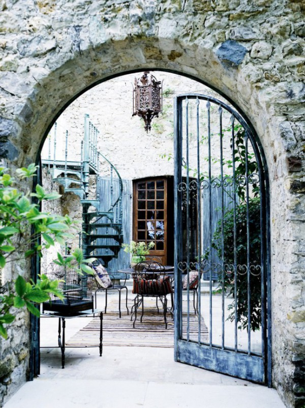 Gorgeous backyard garden designs // Jardines hermosos // via @CasaHaus